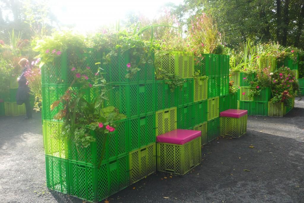 2013-9-22 Mathilde mag den grün-pinken Traum