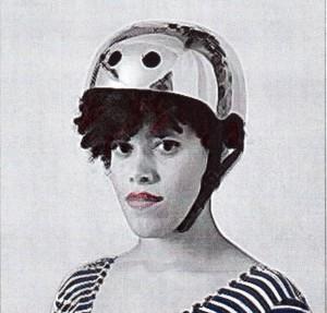 Mathilde mag den glänzenden Helm vielleicht