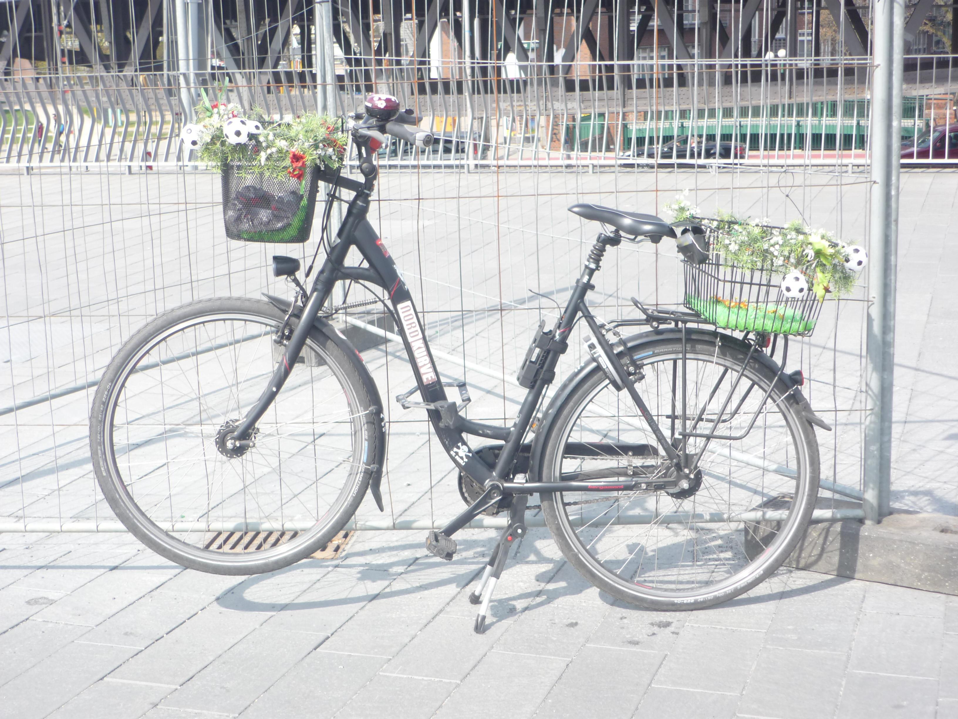 Fahrrad im Hafen - Mathilde Magazin