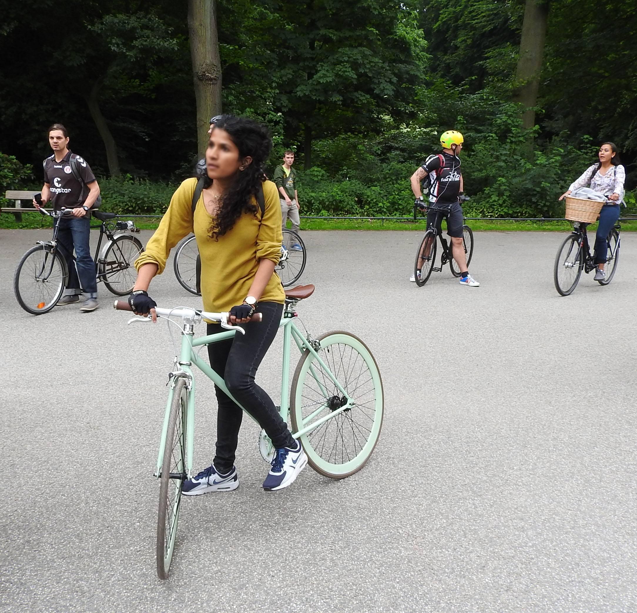 Radfahrer auf dem Weg zur kritischen Masse - Mathilde MAG 2
