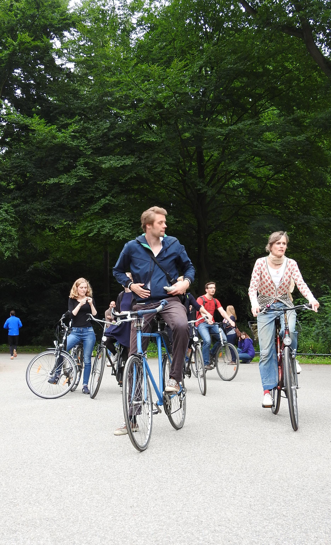 Radfahrer auf dem Weg zur kritischen Masse - Mathilde MAG