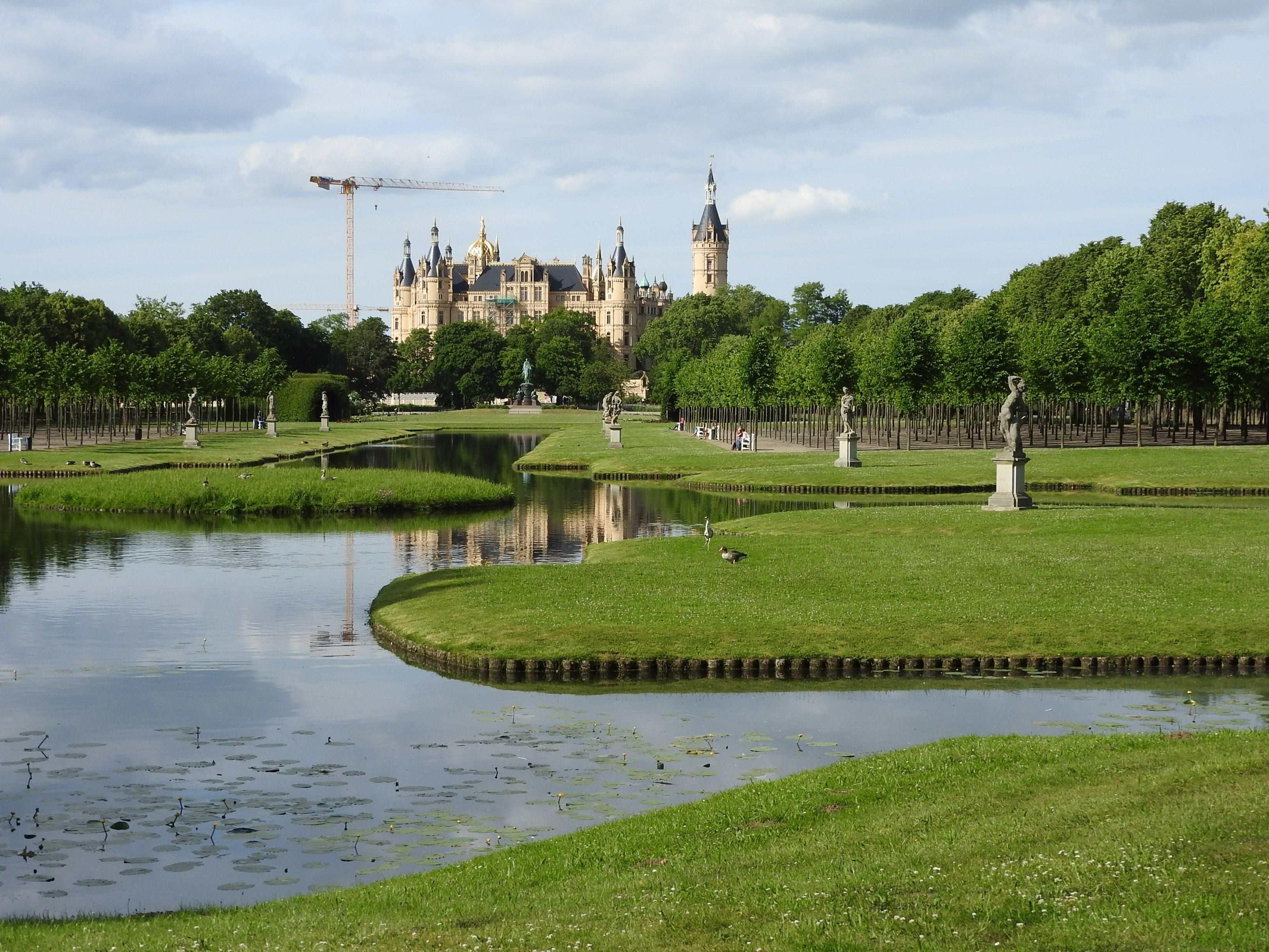 Schloss mit Kran - Mathilde MAG