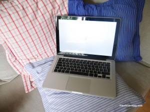 9 Laptop auf'm Sofa chillen - Mathilde MAG
