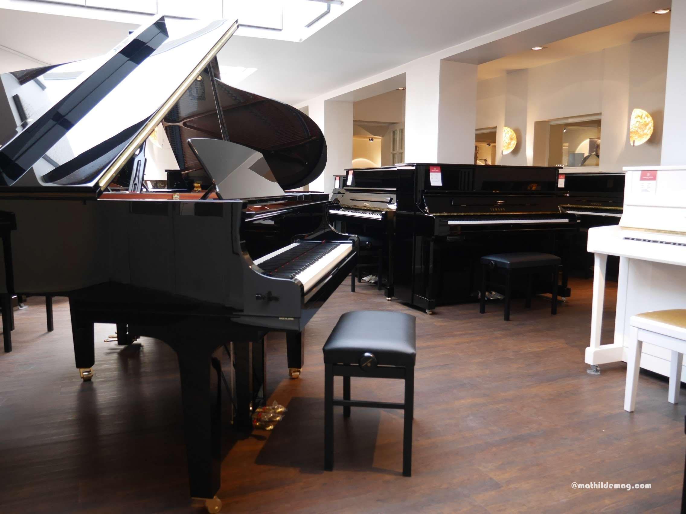 Flügel und Klavier im Pianohaus Trübger