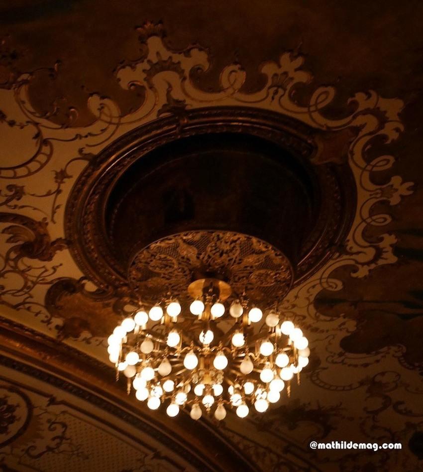 Kronleuchter im Schauspielhaus