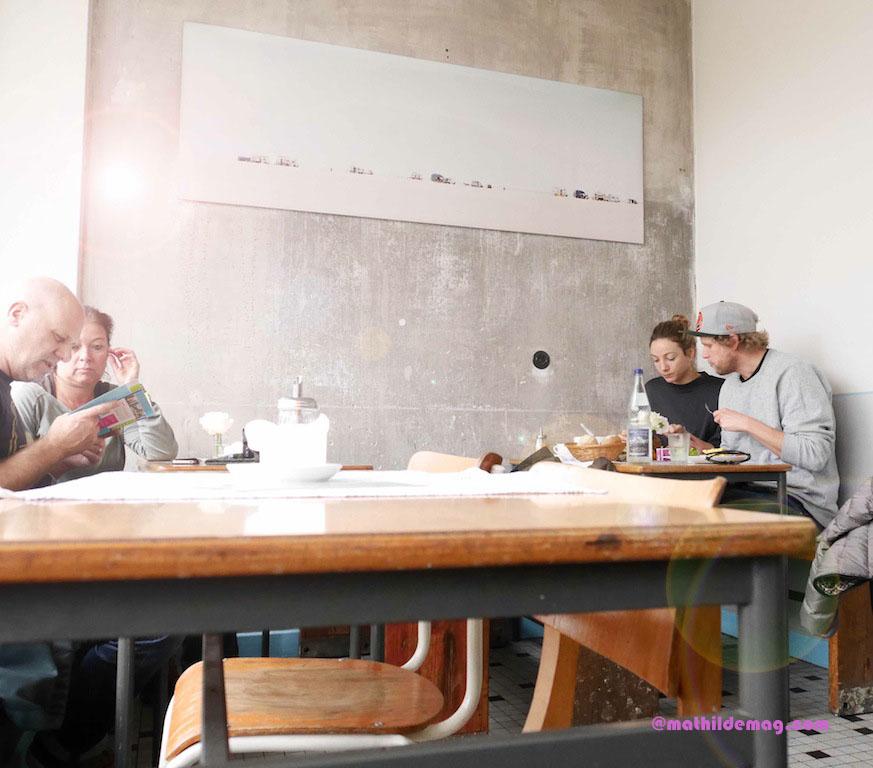 Gäste im Café Johanna