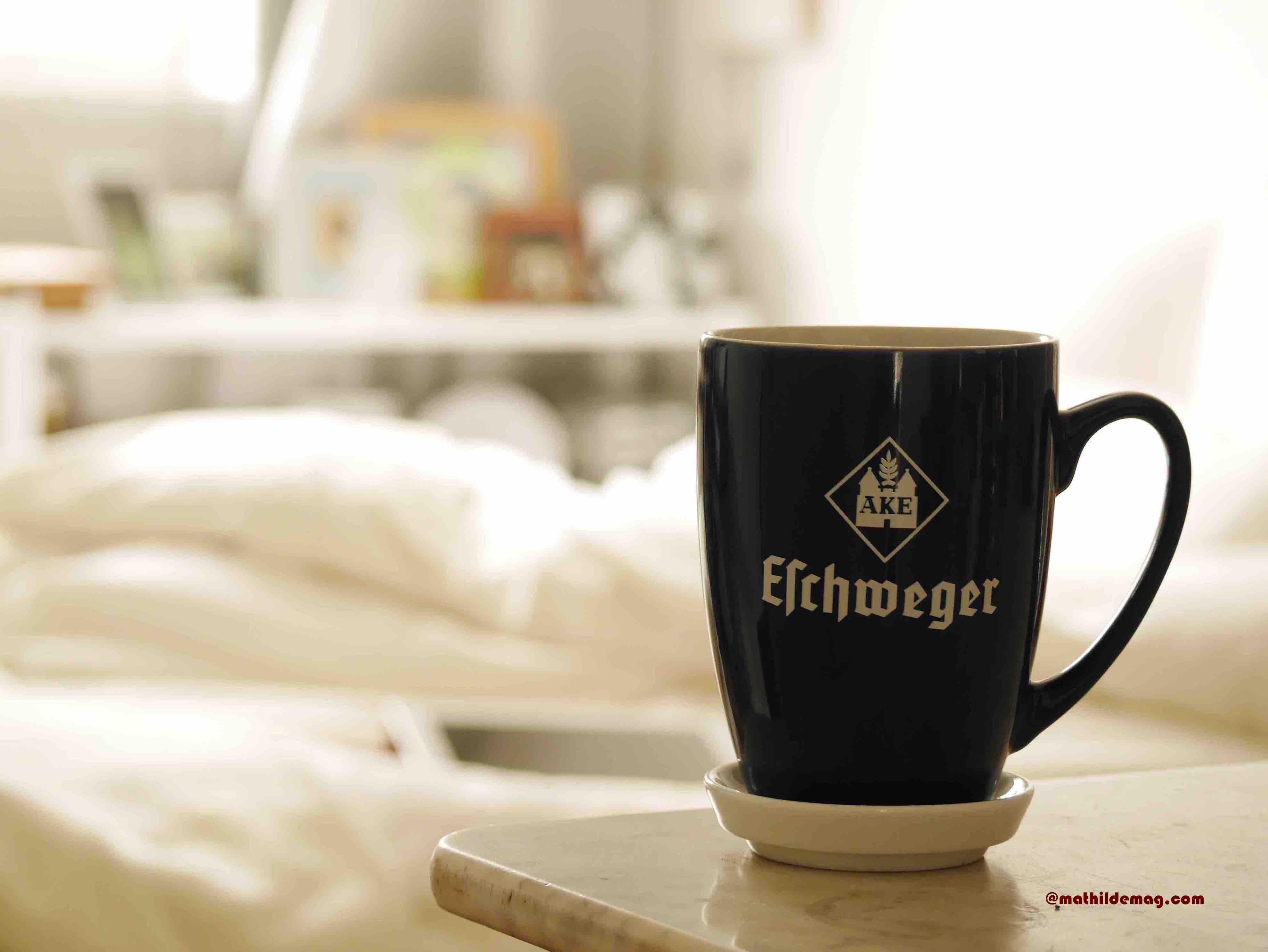 1 Kaffee im Bett